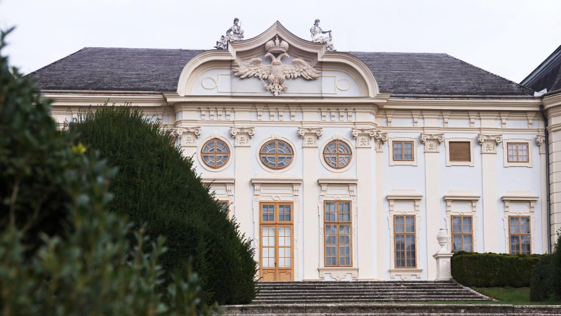 Schloss-Halbturn04